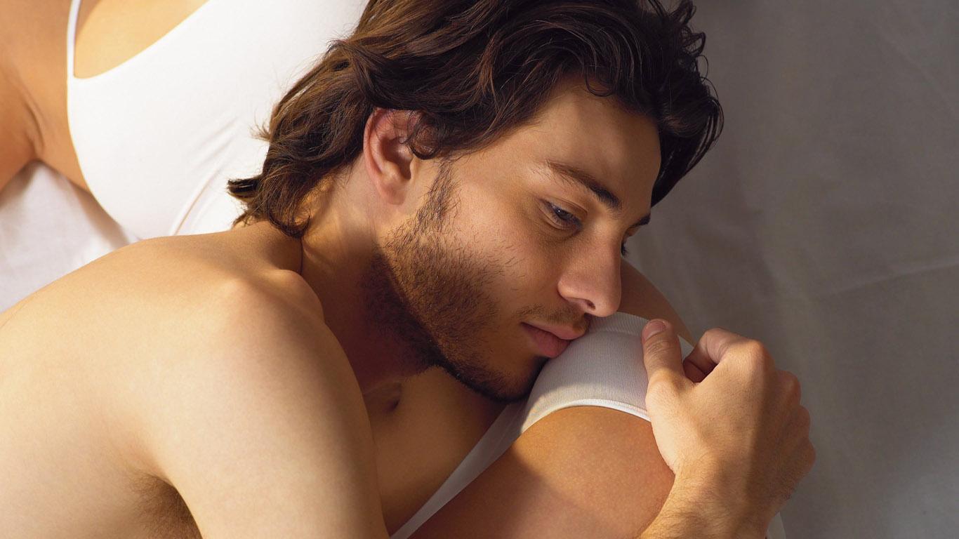 Женщина начинает мало уделять внимания своему мужчине в плане секса, т…